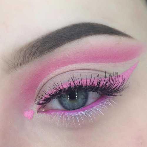 макияж со стрелками на глазах, самые популярные техники